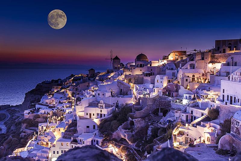 Santorini fullmoon